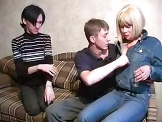 Русская Семейное Порно В Троем